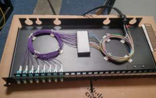 Fibreoptic patch panel with LC connectors